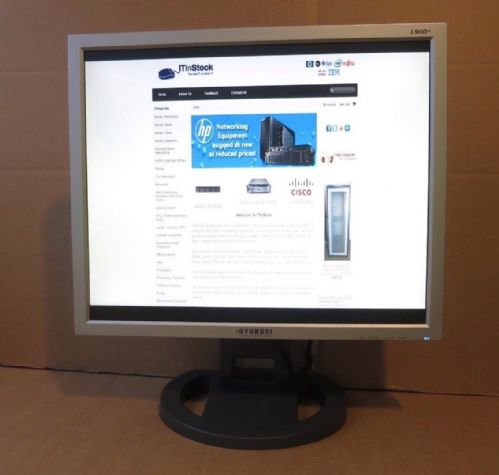 Hyundai L90D+ TFT 19-Inch  LCD Monitor Black/Silver with Built-In Speakers